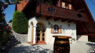 Cottage Berus